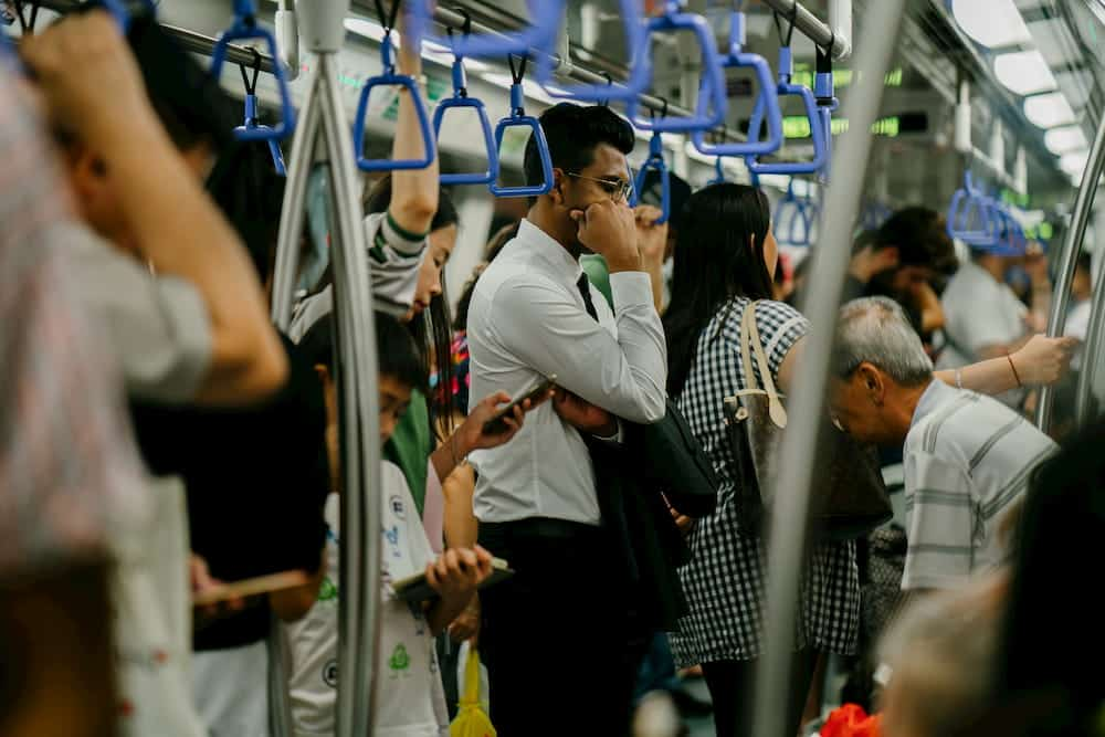 public transportation etiquette canada
