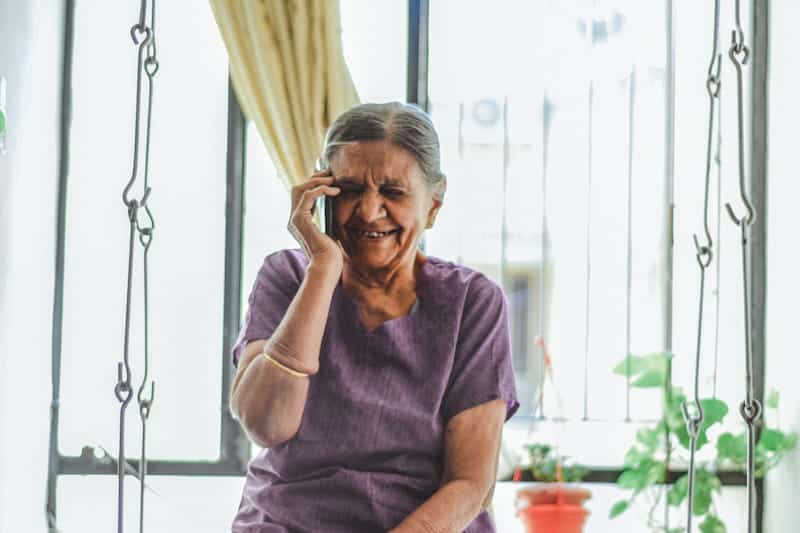 AFFORDABLE CALLS TO A GRANDMA FROM LONG DISTANCE