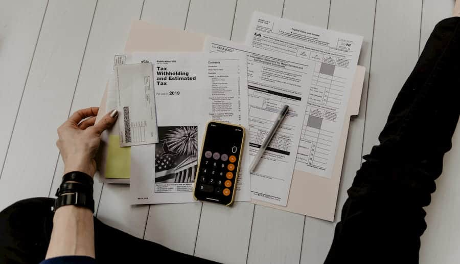 APPLY FOR PERMITS LICENSE BUSINESS TAX IN CANADA