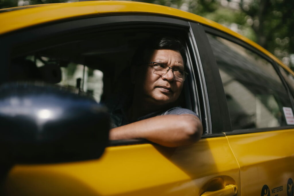 part time job in canada as taxi driver
